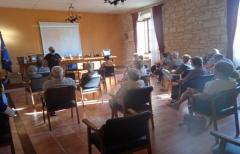 Buena participación en las charlas sobre el 'Porta a porta' en las poblaciones que se integrarán en la segunda ruta